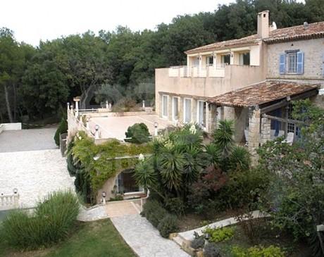 location de décor avec piscines intérieur et extérieur pour des prises de vues photos à Cannes