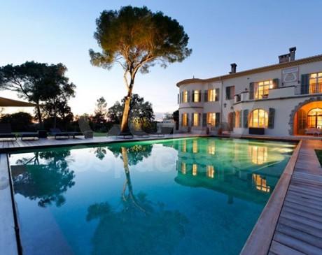 Agence de lieux événementiels de luxe sur Saint-Tropez