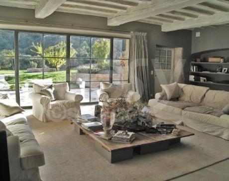 location de villa authentique avec grand terrain pour shooting photo Luberon