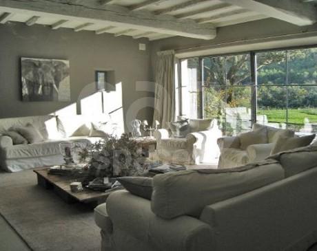 location de lieu dans le Sud de la France pour magazines de mode Luberon
