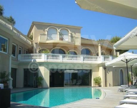 louer une villa de luxe pour un lancement de produit