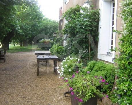 location de grand jardin pour magazine de mode Saint Tropez