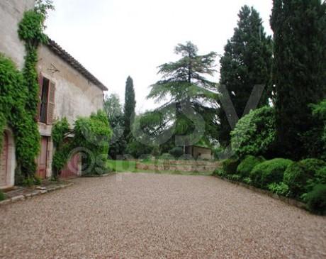 location de belle demeure avec jardin pour shooting photos Arles