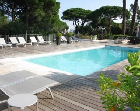 hôtel 3 étoiles avec piscine pour équipes de tournages et shootings photos à saint tropez