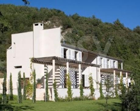 location de lieux  maisons  et décors naturels pour le cinéma cannes saint tropez