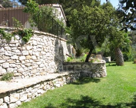 location de maisons et villas avec un bel extérieur pour tournages de films et productions photographiques  marseille