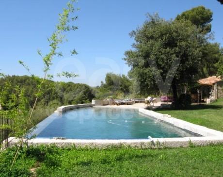 location de décors et lieux de tournages avec piscine et jardin marseille