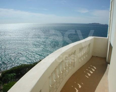 location de villa belle époque avec vue mer marseille france