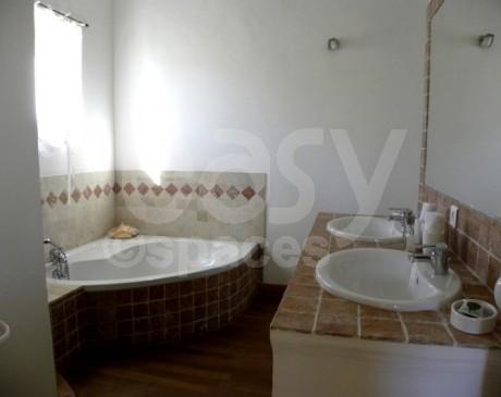 louer une villa avec piscine chauffée pour photos en région provence alpes côte d'azur arles