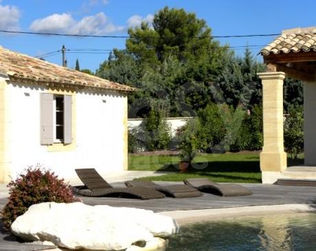 location de maison avec piscine pour prises de vues photos arles france