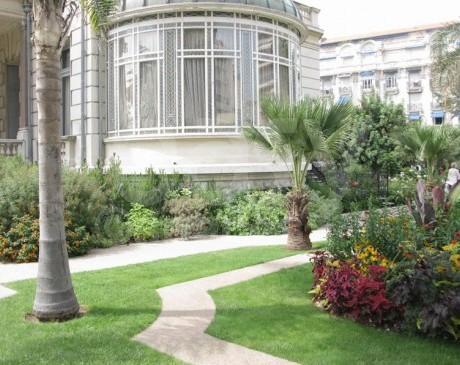 location de lieu avec grands espaces, jardins pour cinema en region provence alpes cote d'azur nice