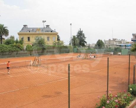 louer des terrains de tennis pour les tournages en région provence alpes côte d ' azur nice
