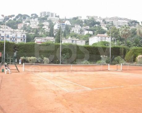 location de décors et terrains de tennis pour des productions photos nice