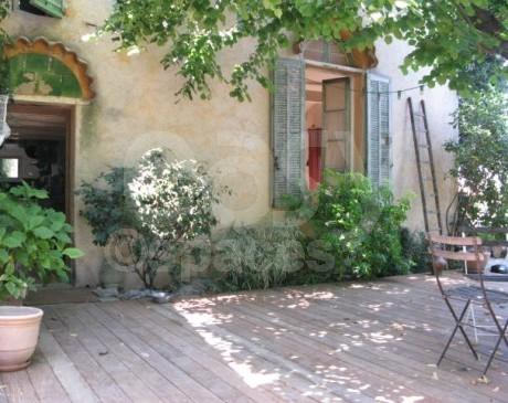 location d'extérieur pour tournages de films en region provence alpes cote d'azur marseille
