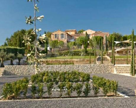 Location de lieu pour décors catalogue de meuble de jardin en Provence Luberon
