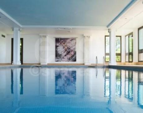 Location de lieu avec piscine intérieure pour événements privés et professionnels  Nice Cannes paca