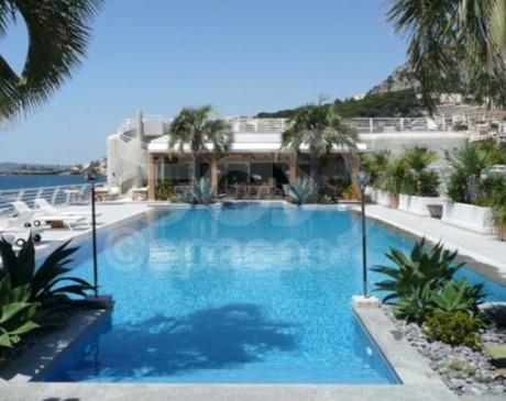location de lieu avec piscine pour reception seminaire reunion sud de la france paca 06