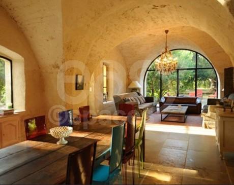 lieu en location pour decors de pub Luberon