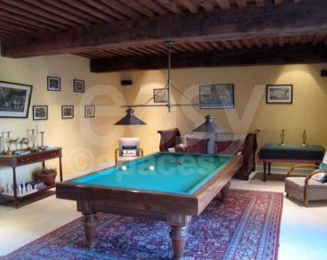 location de decors classiques pour tournage video cote d'azur