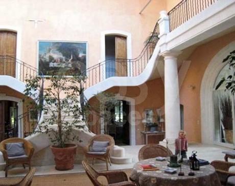 location de lieu avec terrasse et jardin pour shooting mode dans le sud de la france Monaco