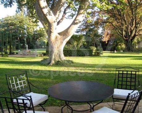 Location de décors pour tournage de film Arles