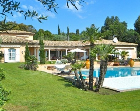 location de bastide de prestige luxe en saisonnier photo tournage evenement saint tropez  var