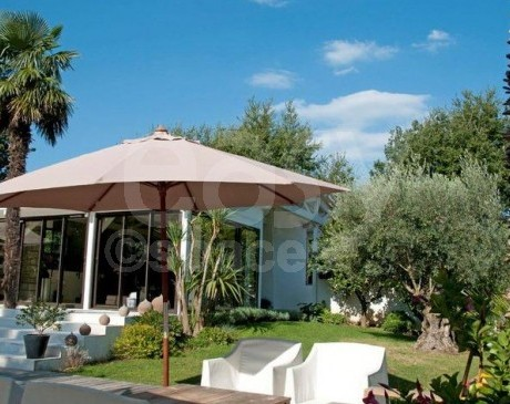 location de villa contemporaine pour tournages de film cinema evenement photos saint tropez cannes nice monaco marseille