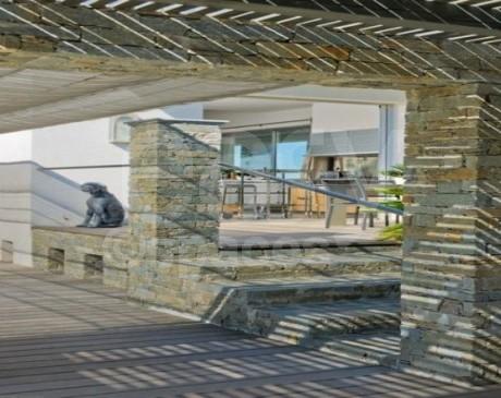 location de salle avec piscine et jardin pour tournage de film dans le sud de la France saint-tropez