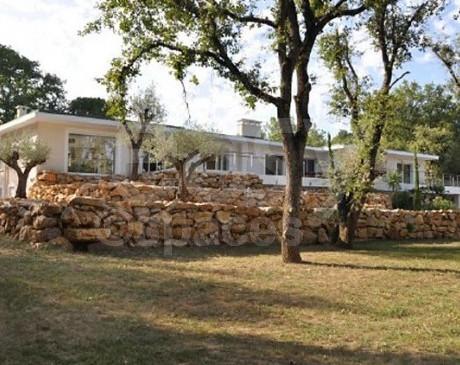 location de villa avec piscine pour les tournages de films publicitaires et photos de mode cannes