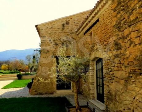 location d ' espaces et lieux de tournages sud est de la france PACA 84 vaucluse luberon