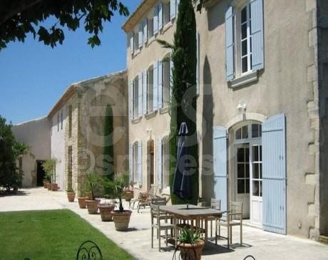 Location de bastide avec jardin et piscine pour prises de vues photos Cavaillon Vaucluse sud de la France