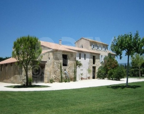 Location de maison en pierres pour tournages et prises de vues photos  Cavaillon vaucluse 84