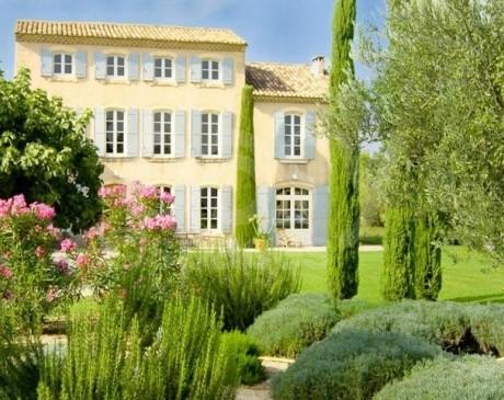 Location de décors atypiques pour tournages photos sud de la France