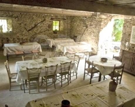 Mas provencal en location pour evenement mariage Gard 30