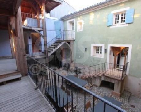 Agence de lieux de luxe pour tournages télé dans le sud de la France