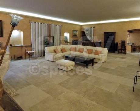 Villa de prestige en pierre pour production photo et tournage dans le var