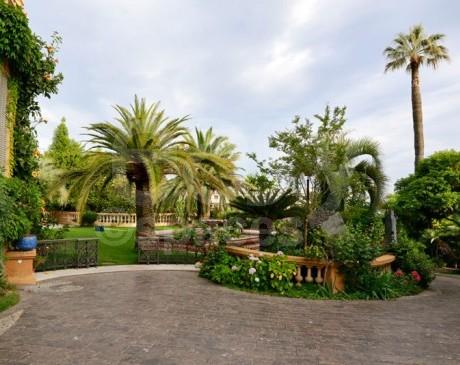 Location de lieu avec piscine  pour prises de vues photos à Cannes