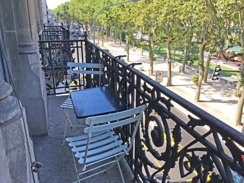 décor avec balcon sur lyon