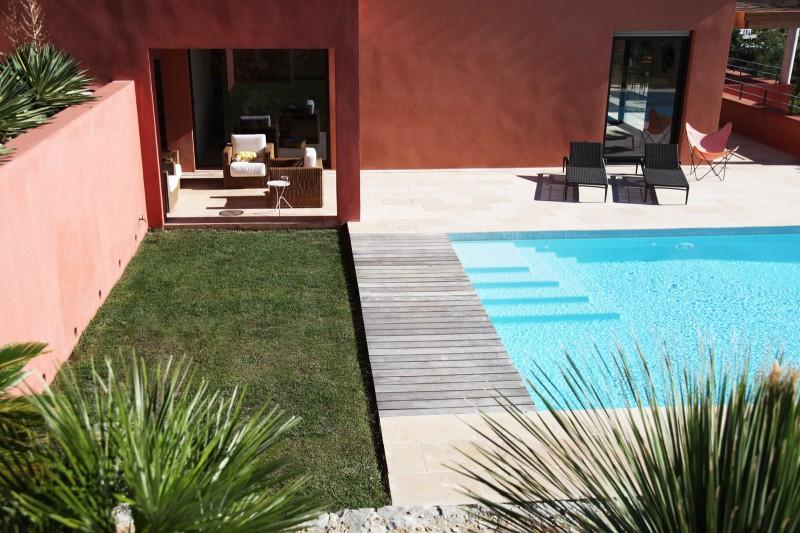 maison avec piscine à débordement pour photo saint tropez