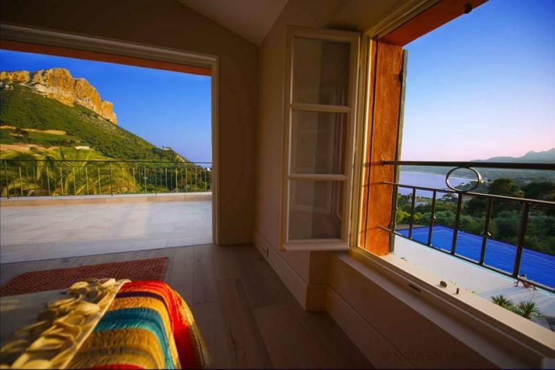 maison moderne vue mer pour prises de vues